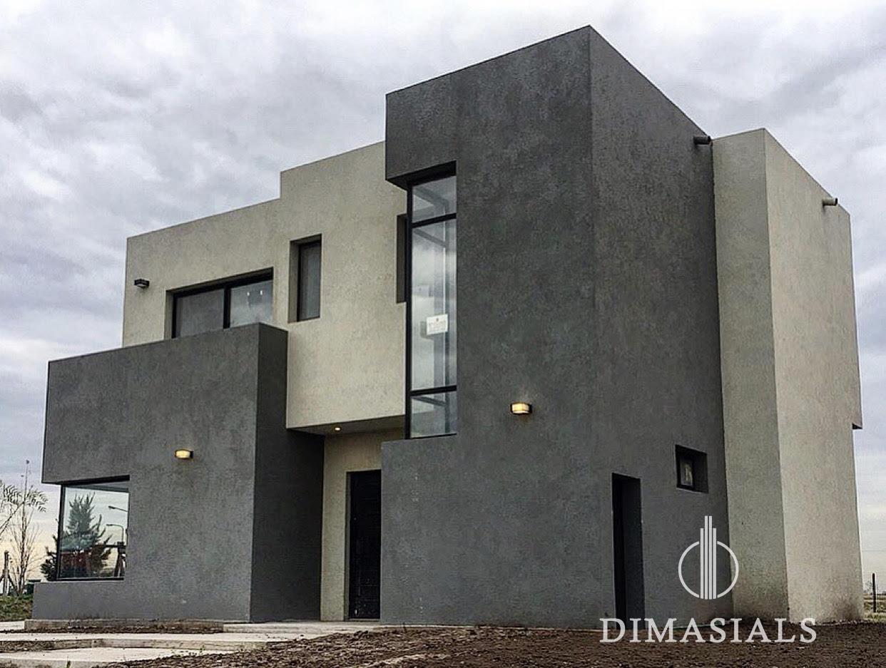 Casa en Venta en San Sebastian doble piso con ventanal